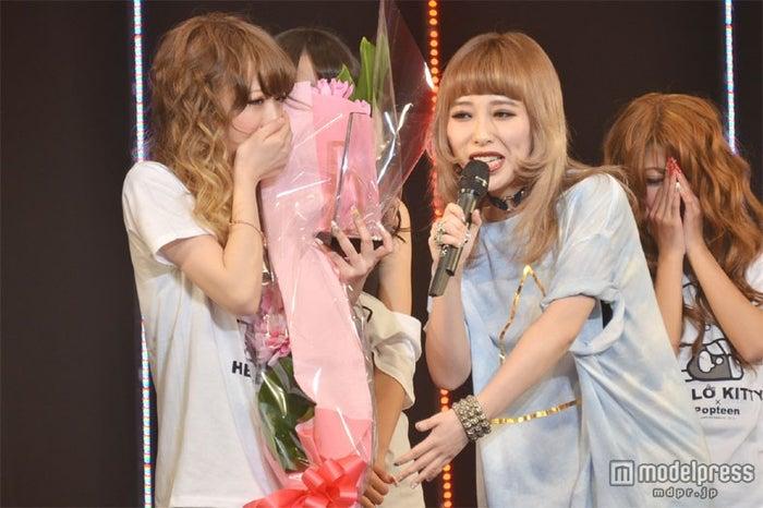 今井彩矢佳さん(左)、加藤ミリヤ