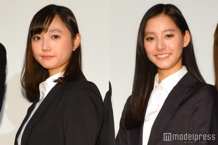 (左から)鈴木友菜、新木優子 (C)モデルプレス
