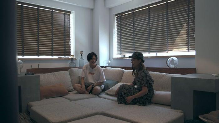 流佳、愛華「TERRACE HOUSE TOKYO 2019-2020」15th WEEK(C)フジテレビ/イースト・エンタテインメント