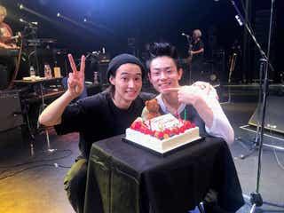 菅田将暉、山崎賢人との2ショットでデビュー10周年を報告「人生何があるかわからない」