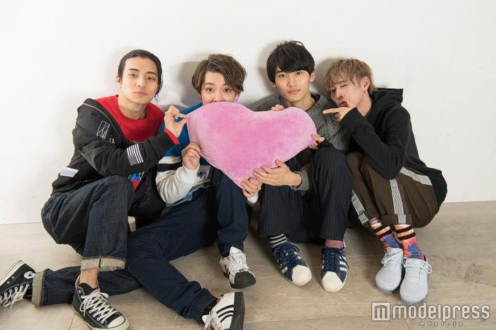 (左から)AM、Kauan、Fu、U(C)モデルプレス