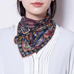 【動画あり】バックル使いでこんなに簡単♡スカーフの巻き方をマスター