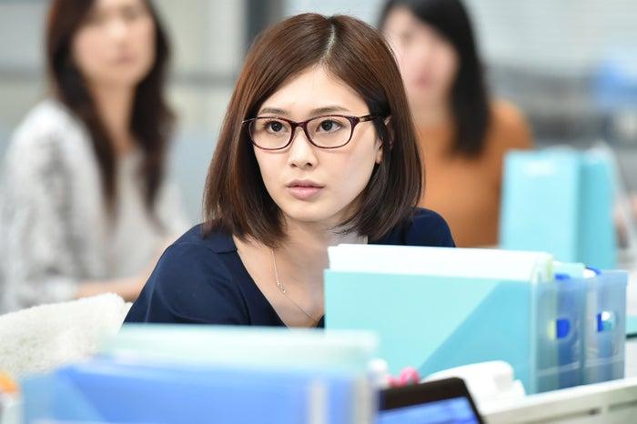 TBS系ドラマ「せいせいするほど、愛してる」でヒロイン栗原未亜(武井咲)の後輩・遠藤多佳子を演じる和田安佳莉(C)TBS