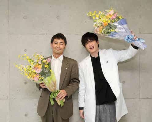 田中圭&安田顕、1年5ヶ月の撮影中断経て「らせんの迷宮」クランクアップ<コメント&場面写真到着>