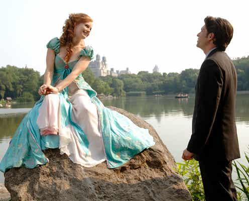 エイミー・アダムス、『魔法にかけられて』の続編は歌と踊りが満載。