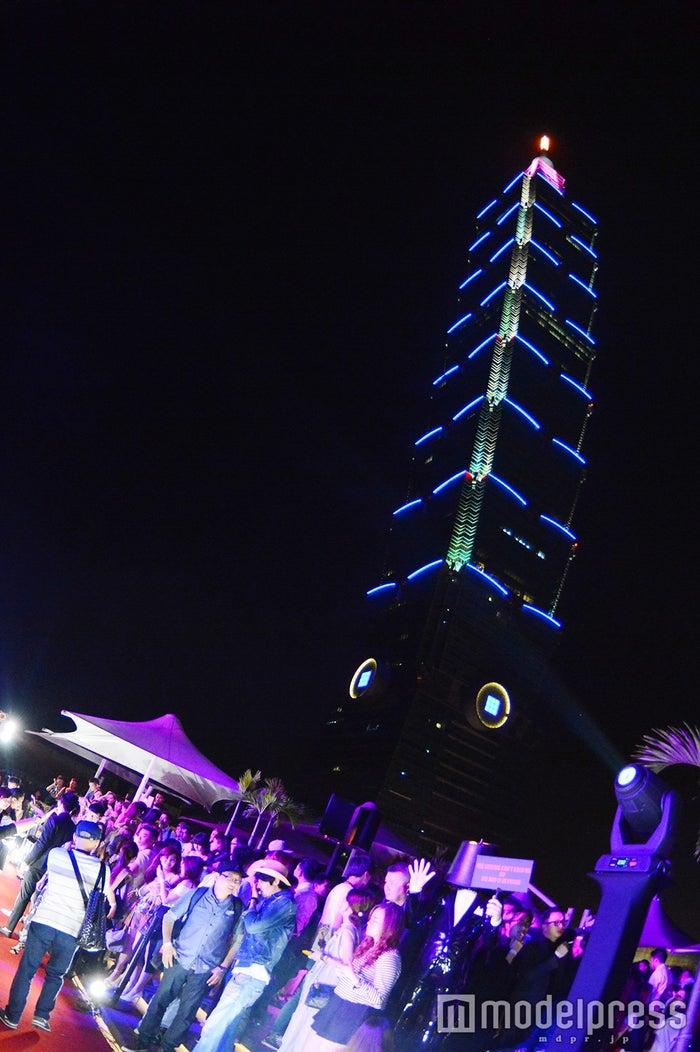 台北101が見える会場の様子(C)モデルプレス