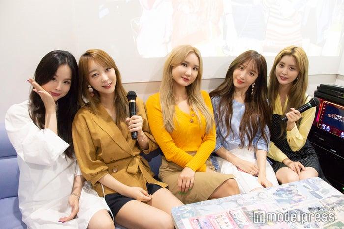 EXID(左から、ソルジ、ヘリン、LE、ハニ、ジョンファ)(C)モデルプレス