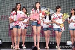 (左から)田村友乃さん、佐藤梨紗子さん、吉村梓穂さん (C)モデルプレス