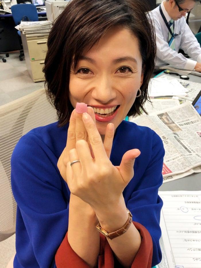 ニュース読む時に欠かせないもの、指サック!/梅津弥英子アナウンサー/提供写真