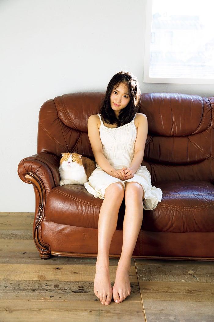 菅井友香1st写真集「フィアンセ」より/撮影:LUCKMAN/講談社