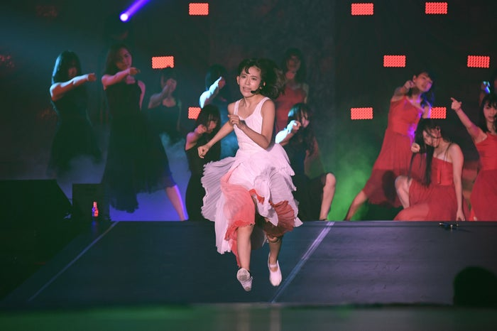 宮脇咲良/「AKB48グループ感謝祭~ランクインコンサート~(1~16位)」より(C)AKS