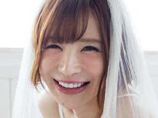 手島優、初のウエディングドレス姿で美谷間チラリ