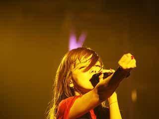 aiko、全国ホールツアー地元大阪での千秋楽公演はトリプルアンコール!「これからもずっと歌っていきたい」