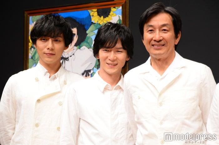 (左から)施鐘泰(JONTE)、金井勇太、佐戸井けん太(C)モデルプレス