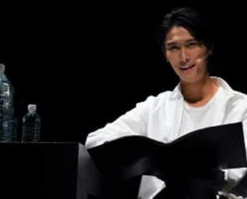 橋本良亮 主演朗読劇「『ピース』-peace or piece?-」で、篠井英介と緊迫シーンを展開!