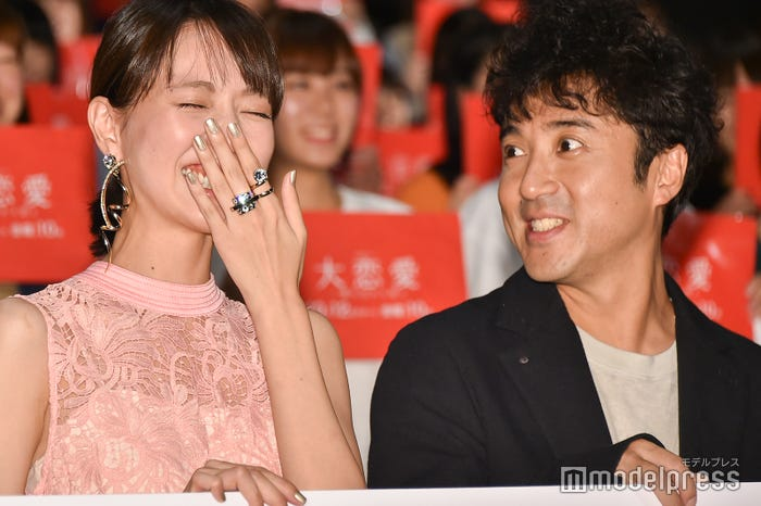 ドラマ「大恋愛~僕を忘れる君と」イベントでも息ぴったりだった戸田恵梨香、ムロツヨシ (C)モデルプレス