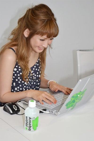 「アメーバピグ」を楽しむ紗栄子
