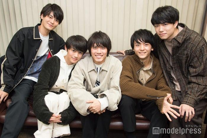 (左から)三船海斗、藤原大祐、細田佳央太、田川隼嗣、福崎那由他(C)モデルプレス