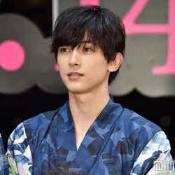 小栗旬が「入れ替わりたい」相手に指名した吉沢亮 ※写真は映画『銀魂』ジャパンプレミアより(C)モデルプレス
