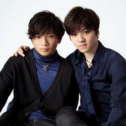 宇野昌磨&宇野樹、兄弟で「anan」初登場 微笑ましい撮影中の様子明らかに