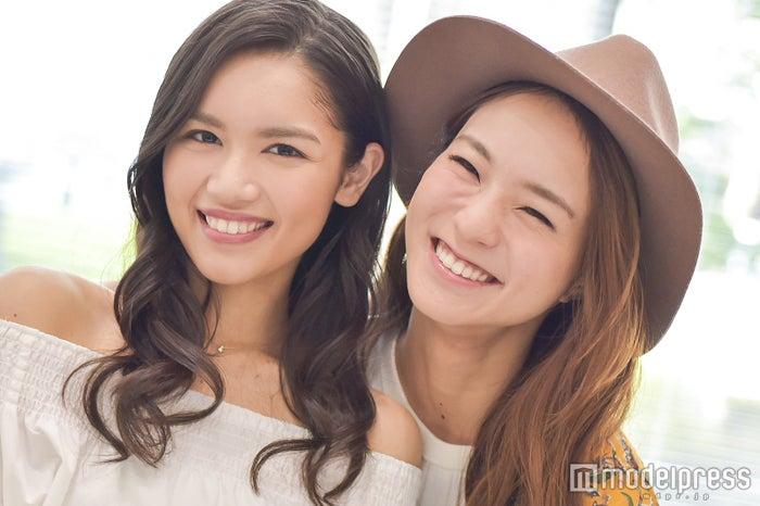 新世代の歌姫対談!仲良しオーラ全開(左から)Anly、Leola (C)モデルプレス