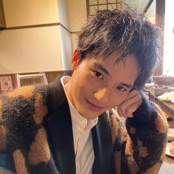 岡田健史、クランクインを報告「すでにドキドキ」とファン悶絶のオフショットも<ウチの娘は、彼氏が出来ない!!>
