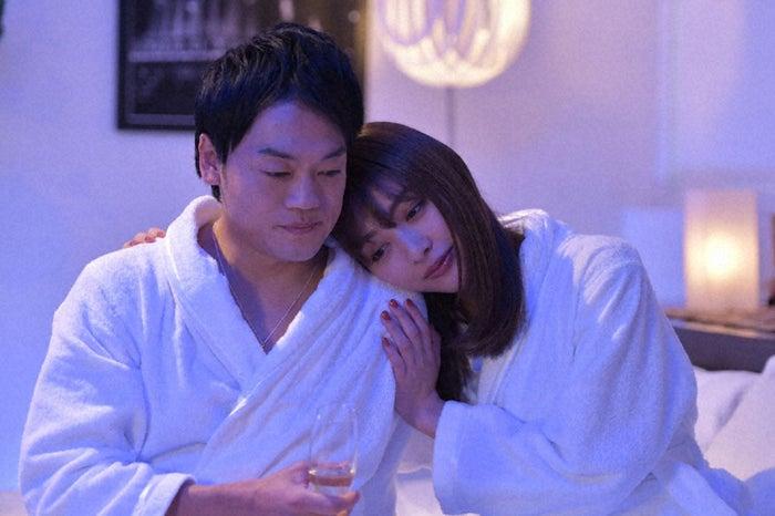 おばたのお兄さん、内田理央/「来世ではちゃんとします」第6話より(C)「来世ではちゃんとします」製作委員会