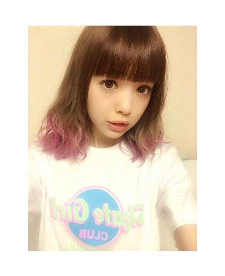 ピンク髪にイメチェン/藤田ニコルTwitterより【モデルプレス】