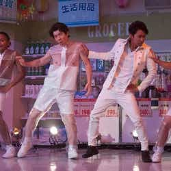 モデルプレス - 嵐・大野智、コントで華麗なダンスパフォーマンス 「LIFE!」再び参戦