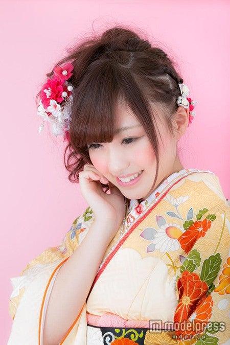 「美しい振袖姿の若い女性」写真素材ぱくたそ/モデル 河村友歌
