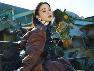 「リアルな痛みを歌詞に」 安田レイ、新曲『Not the End』で描く希望と絶望