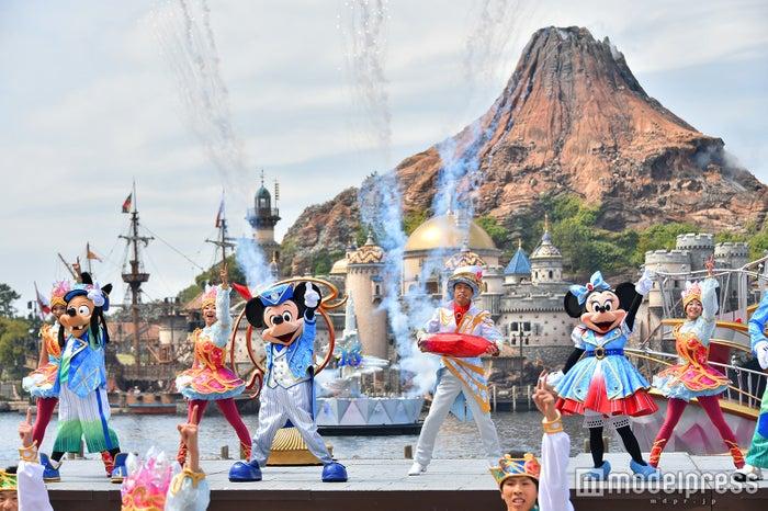 """新規ショー「クリスタル・ウィッシュ・ジャーニー」/「東京ディズニーシー15周年""""ザ・イヤー・オブ・ウィッシュ""""」(C)モデルプレス(C)Disney"""