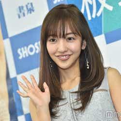 """モデルプレス - 熱愛報道の板野友美、AKB48""""初代神7""""として不動の人気 卒業後もマルチな活躍<略歴>"""