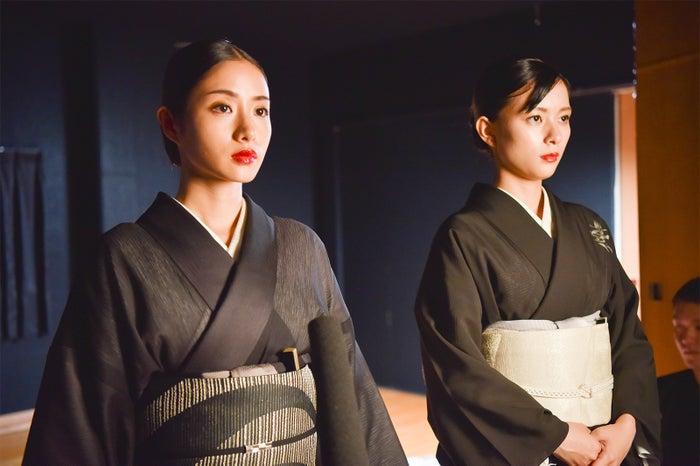 石原さとみ、芳根京子/「高嶺の花」第8話より(C)日本テレビ