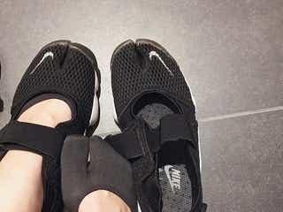 おしゃれさんが愛用中の「エアリフト」って?靴下からコーデまで徹底解説!