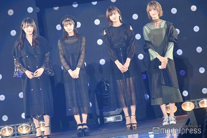 (左から)渡辺梨加、小林由依、渡邉理佐、土生瑞穂 (C)モデルプレス