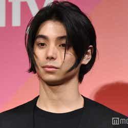 """モデルプレス - 村上虹郎、母・UAから「親子じゃなかったら結婚してるのに」""""深すぎる愛""""を明かす"""