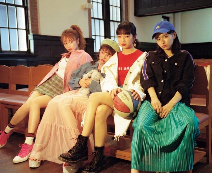 左より:黒瀧まりあ、加藤ナナ、田中芽衣、山本舞香(写真提供:徳間書店)