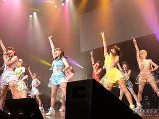 """SUPER☆GiRLS、キュートな""""ヒップダンス""""で熱いパフォーマンス 誕生日サプライズも"""