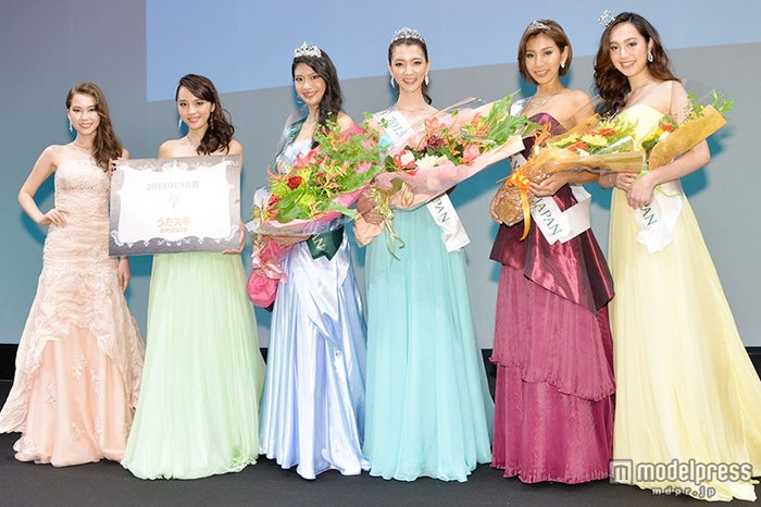 (左から)ロバートソン夏妃さん、神部美咲さん、山田彩乃さん、栗原麻衣さん、古賀あかねさん、宗心晴菜さん