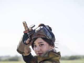 ハリウッド版『モンスターハンター』山崎紘菜の受付嬢は衣装も特別!制作陣のモンハン愛が凝縮