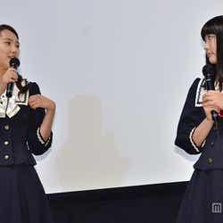 共演エピソードを明かす/(左から)竹富聖花、 柏木ひなた