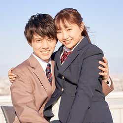 ユウム、ひまり「恋する◆週末ホームステイ 2021冬 Tokyo」(C)AbemaTV, Inc.