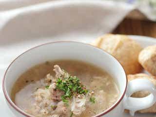 「豚こまと玉ねぎのブイヨンスープ」レシピ【365日のパンとスープ】