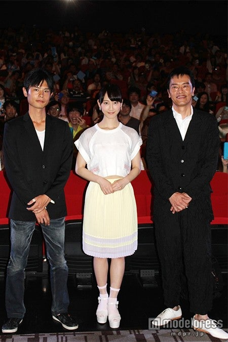 (左より)宮岡太郎監督、松井玲奈、遠藤憲一