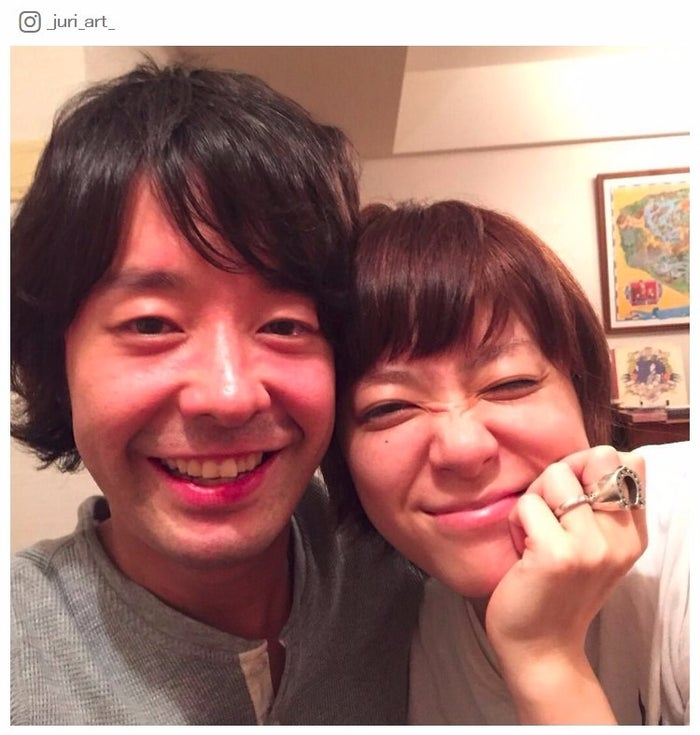 夫・和田唱(左)との2ショットを公開した上野樹里(右)/上野樹里Instagramより