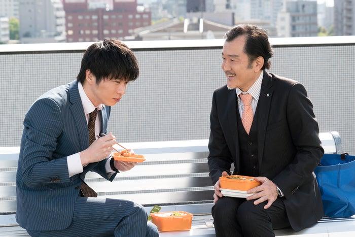 田中圭、吉田鋼太郎/「おっさんずラブ」第2話より(C)テレビ朝日