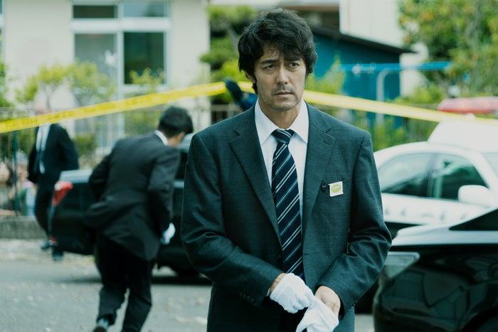 阿部寛(C)2021映画「護られなかった者たちへ」製作委員会