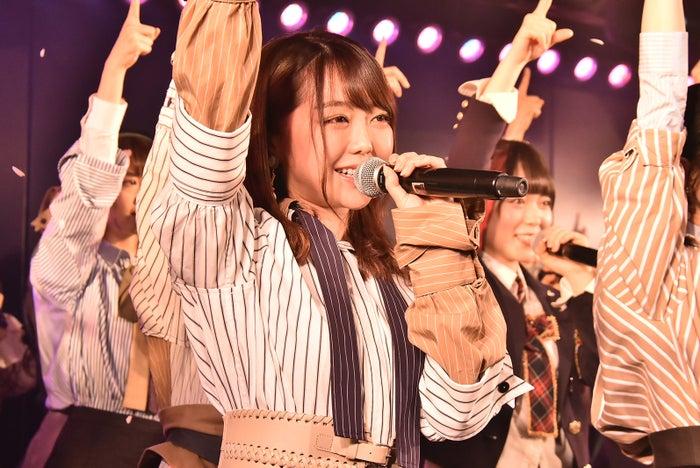 卒業を発表した峯岸みなみ/AKB48劇場14周年特別記念公演(C)AKS