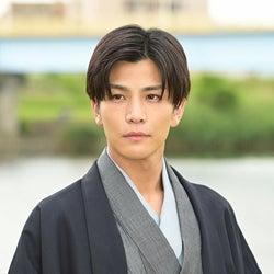 岩田剛典「プロミス・シンデレラ」第2話より(C)TBS